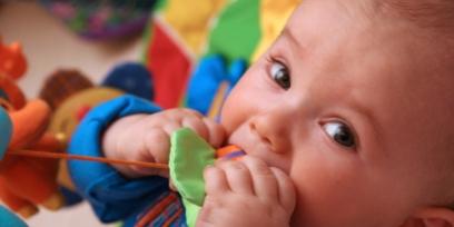 התפתחות תינוקות 3 עד 6 חודשים