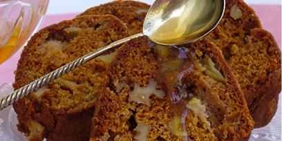 עוגת דבש ותפוחים לראש השנה