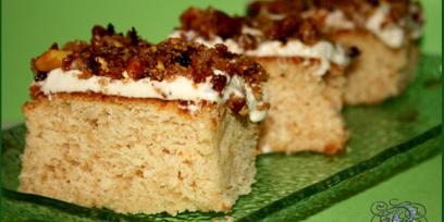 עוגת דבש עם גרנולה
