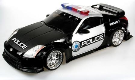 מכונית משטרה עם שלט צעצוע